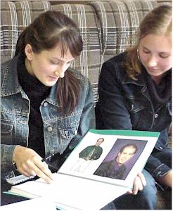 Two of the hundreds of Russian girls that browse the free Men's Catalog at mail order bride site A Volga Girl.