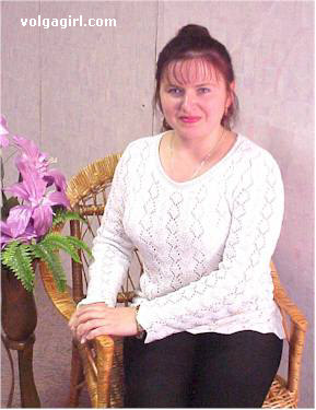 Galina is a 48 year old Russian girl who has registered with mail order bride agency A Volga Girl in the hopes of receiving email correspondence from you.