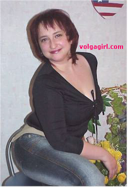 Oksana is a 43 year old Russian girl who has registered with mail order bride agency A Volga Girl in the hopes of receiving email correspondence from you.