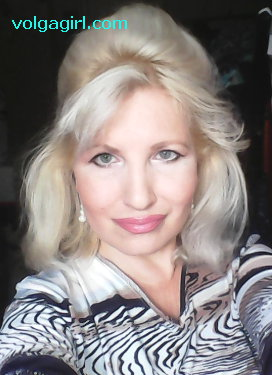 Elena is a 48 year old Russian girl who has registered with mail order bride agency A Volga Girl in the hopes of receiving email correspondence from you.