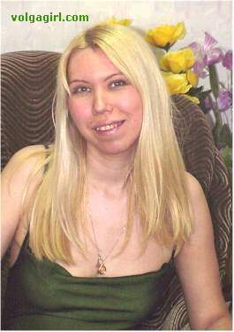 Daria is a 35 year old Russian girl who has registered with mail order bride agency A Volga Girl in the hopes of receiving email correspondence from you.