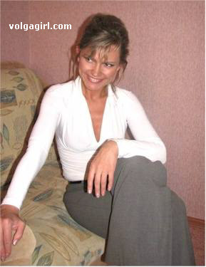 Irina is a 46 year old Russian girl who has registered with mail order bride agency A Volga Girl in the hopes of receiving email correspondence from you.