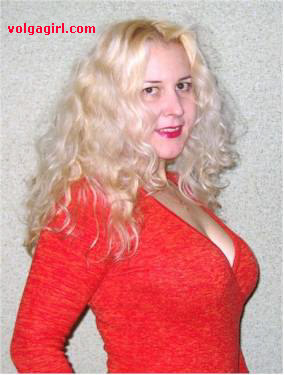 Marina is a 42 year old Russian girl who has registered with mail order bride agency A Volga Girl in the hopes of receiving email correspondence from you.