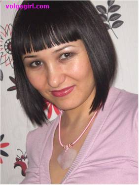 Elena is a 33 year old Russian girl who has registered with mail order bride agency A Volga Girl in the hopes of receiving email correspondence from you.