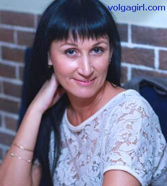 Nadezhda is a 48 year old Russian girl who has registered with mail order bride agency A Volga Girl in the hopes of receiving email correspondence from you.