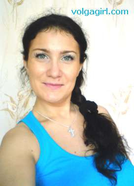 Elena is a 38 year old Russian girl who has registered with mail order bride agency A Volga Girl in the hopes of receiving email correspondence from you.