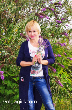 Alla  is a 53 year old Russian girl who has registered with mail order bride agency A Volga Girl in the hopes of receiving email correspondence from you.