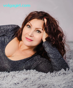 Irina  is a 48 year old Russian girl who has registered with mail order bride agency A Volga Girl in the hopes of receiving email correspondence from you.