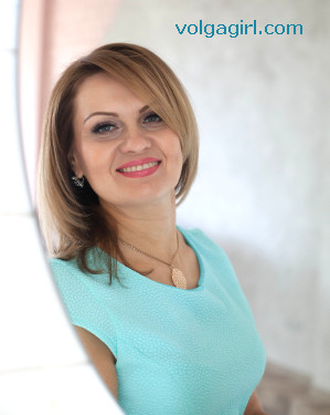 Ekaterina  is a 42 year old Russian girl who has registered with mail order bride agency A Volga Girl in the hopes of receiving email correspondence from you.