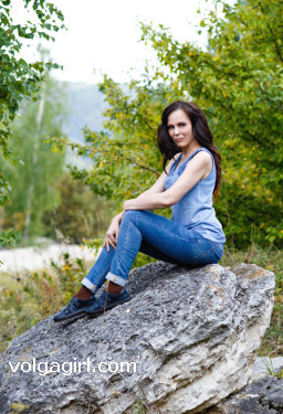 Ledana  is a 47 year old Russian girl who has registered with mail order bride agency A Volga Girl in the hopes of receiving email correspondence from you.
